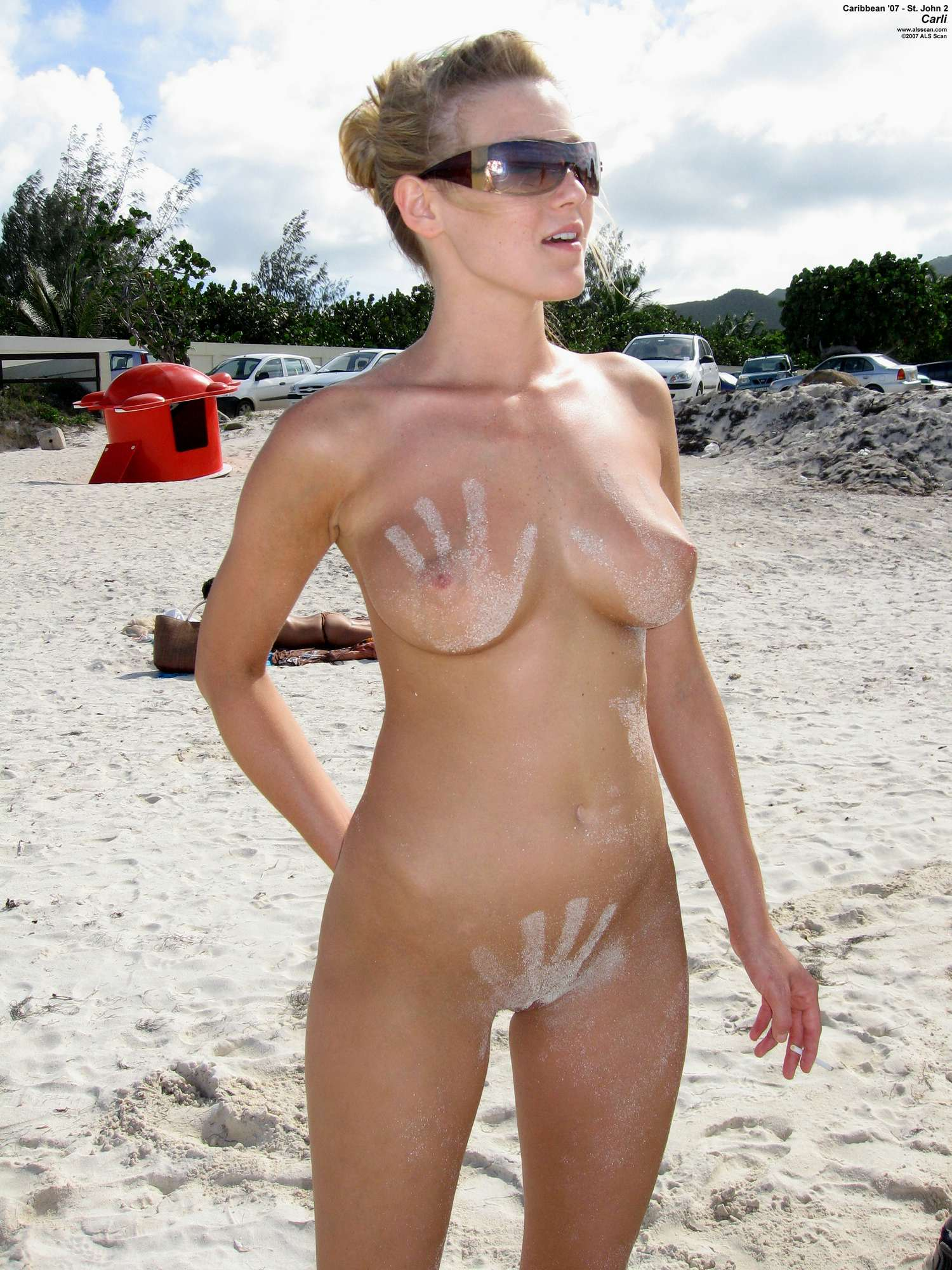 Beach nude girl think