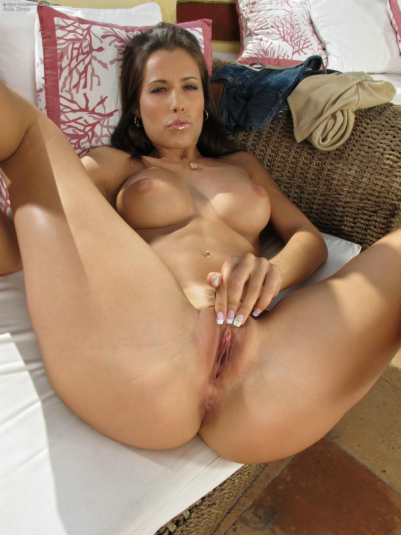 italian nud girl woman