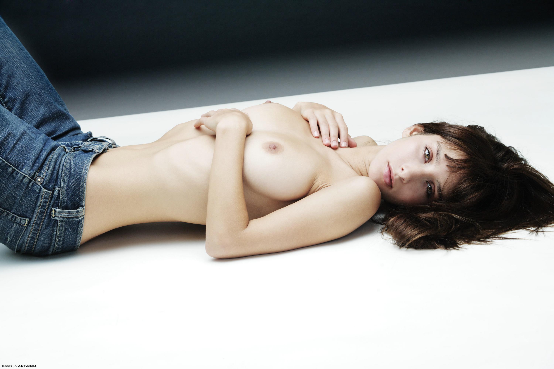 sassy babe loves teasing her moist pussy
