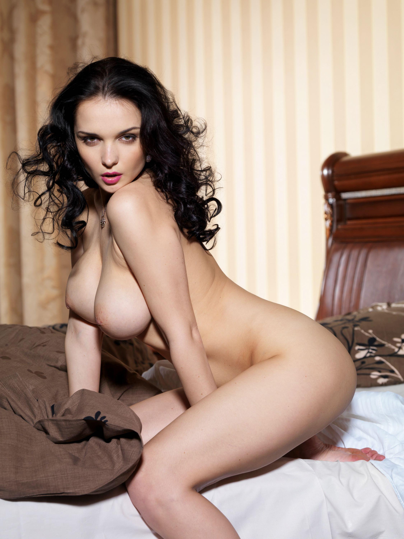 Фото разорванной женской груди 15 фотография