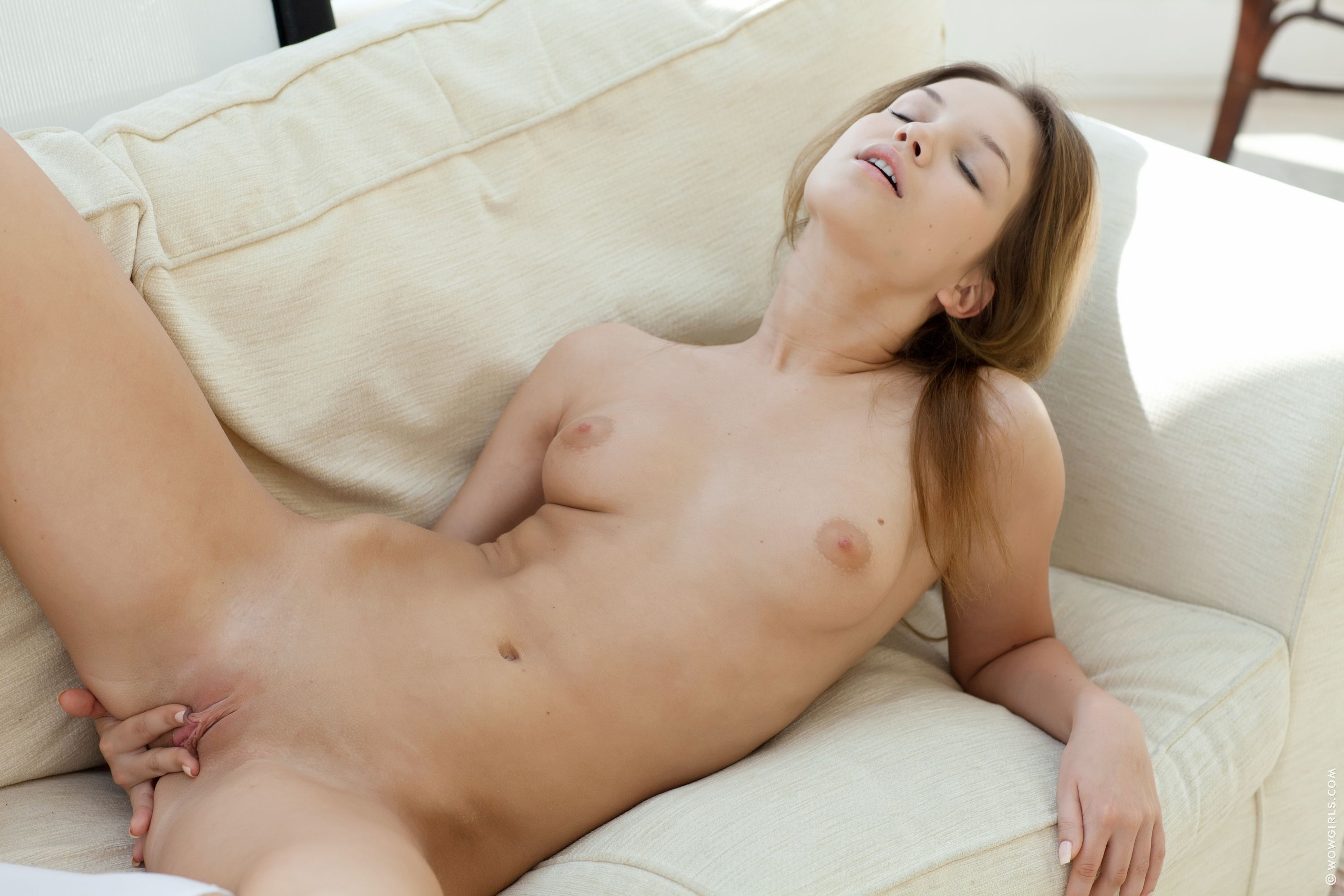 girls nude pics download free