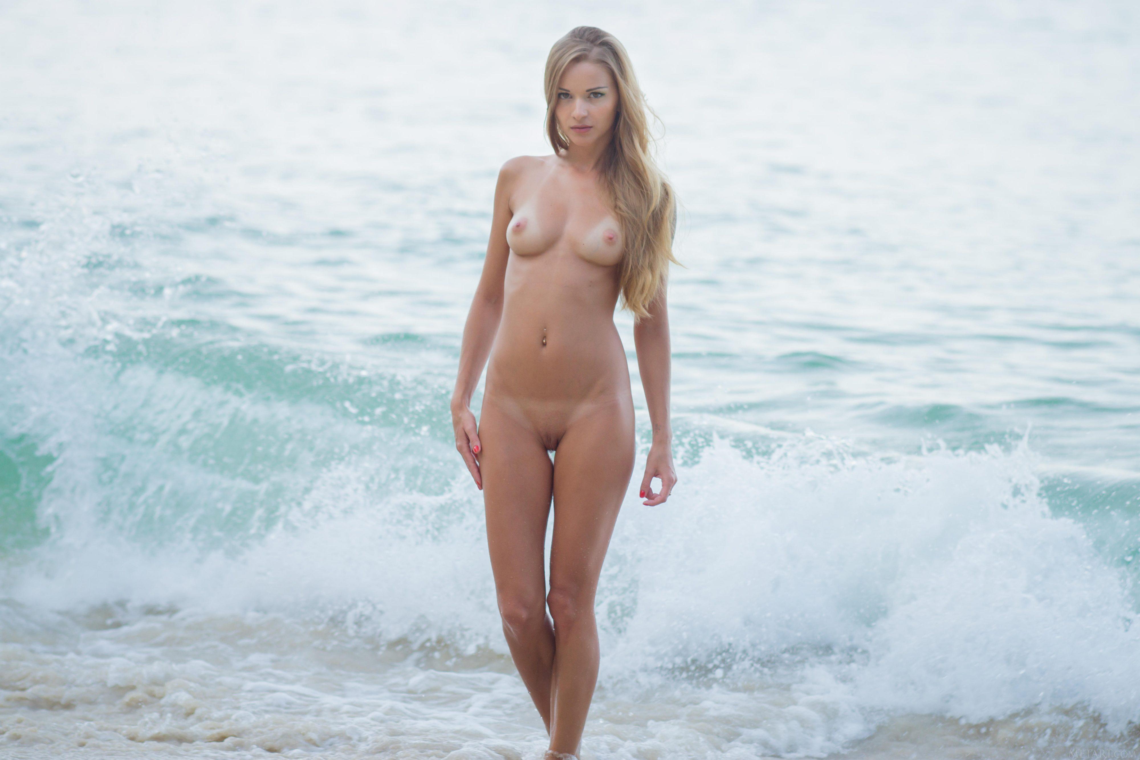 gils on beach