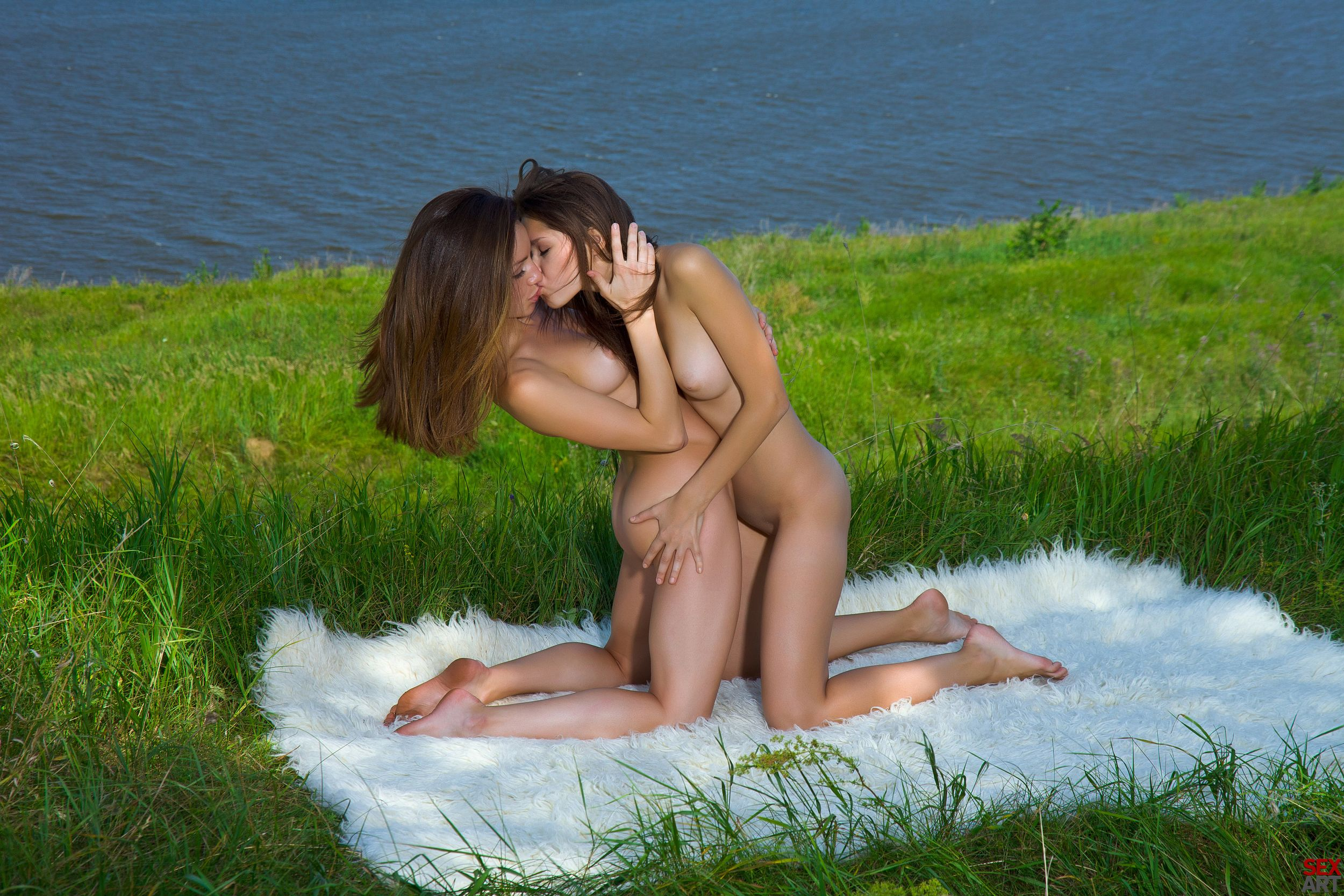 Эротическая любовь на природе 24 фотография