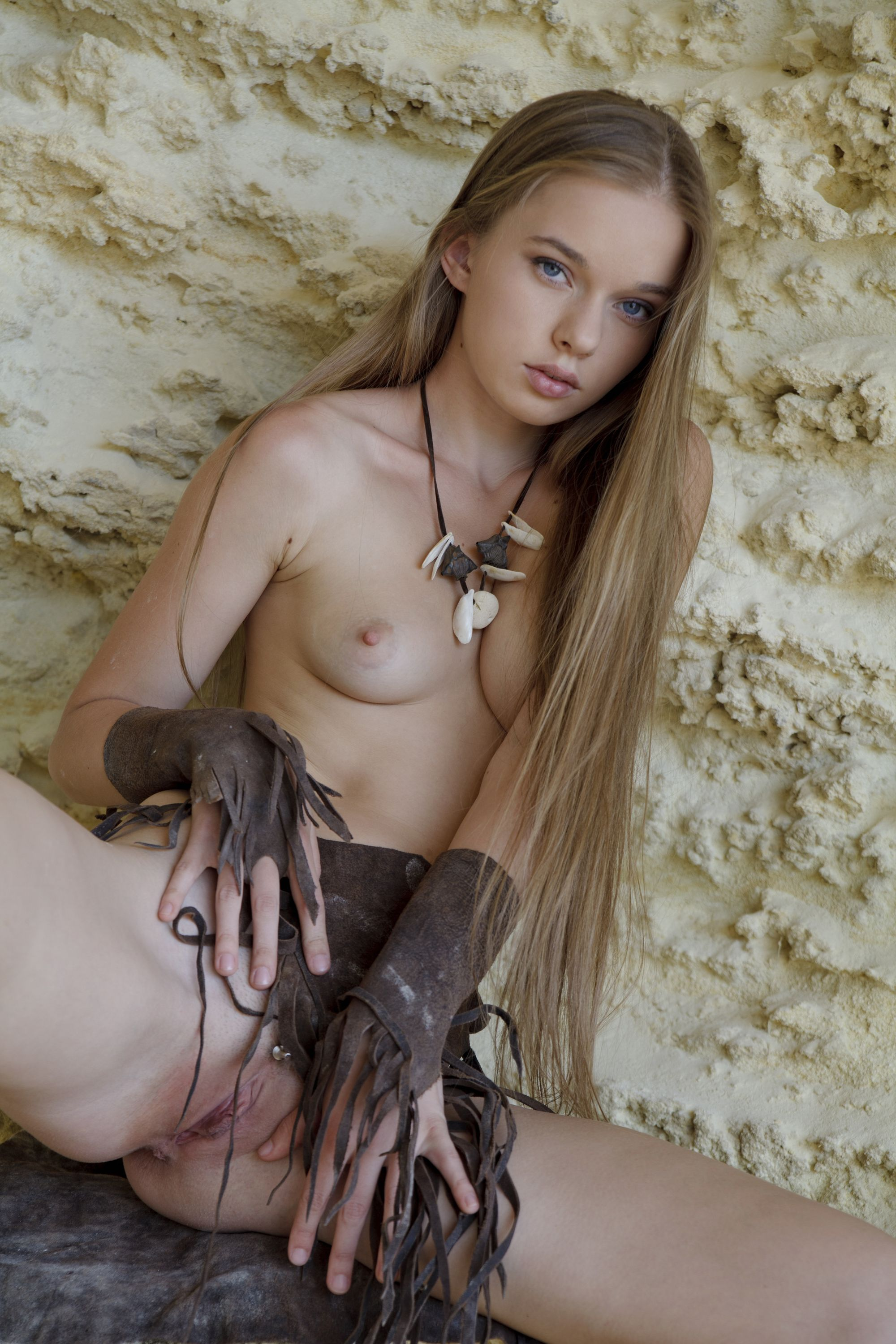 pictures-of-naked-teenage-girl-pictures-bearutiful-dwarf-women-naked