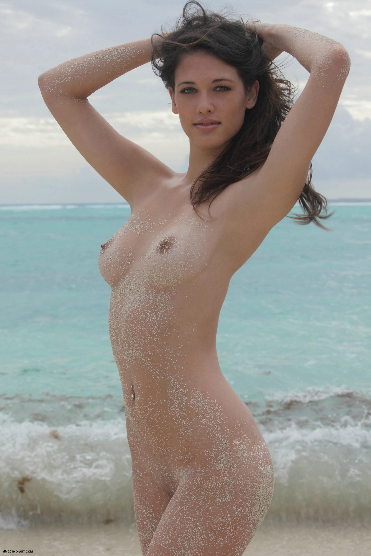 pretty naked photo