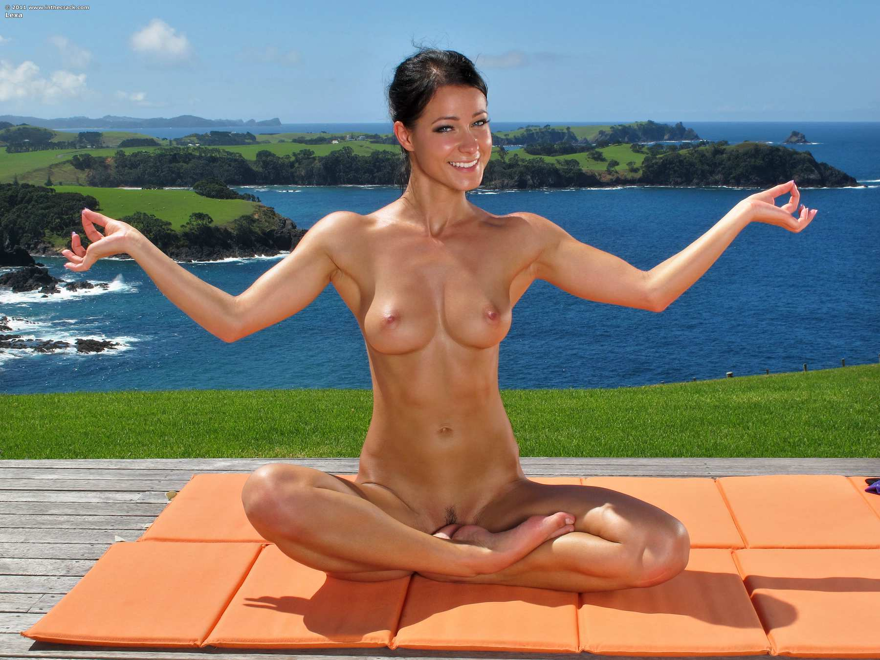 new zealand women undressed