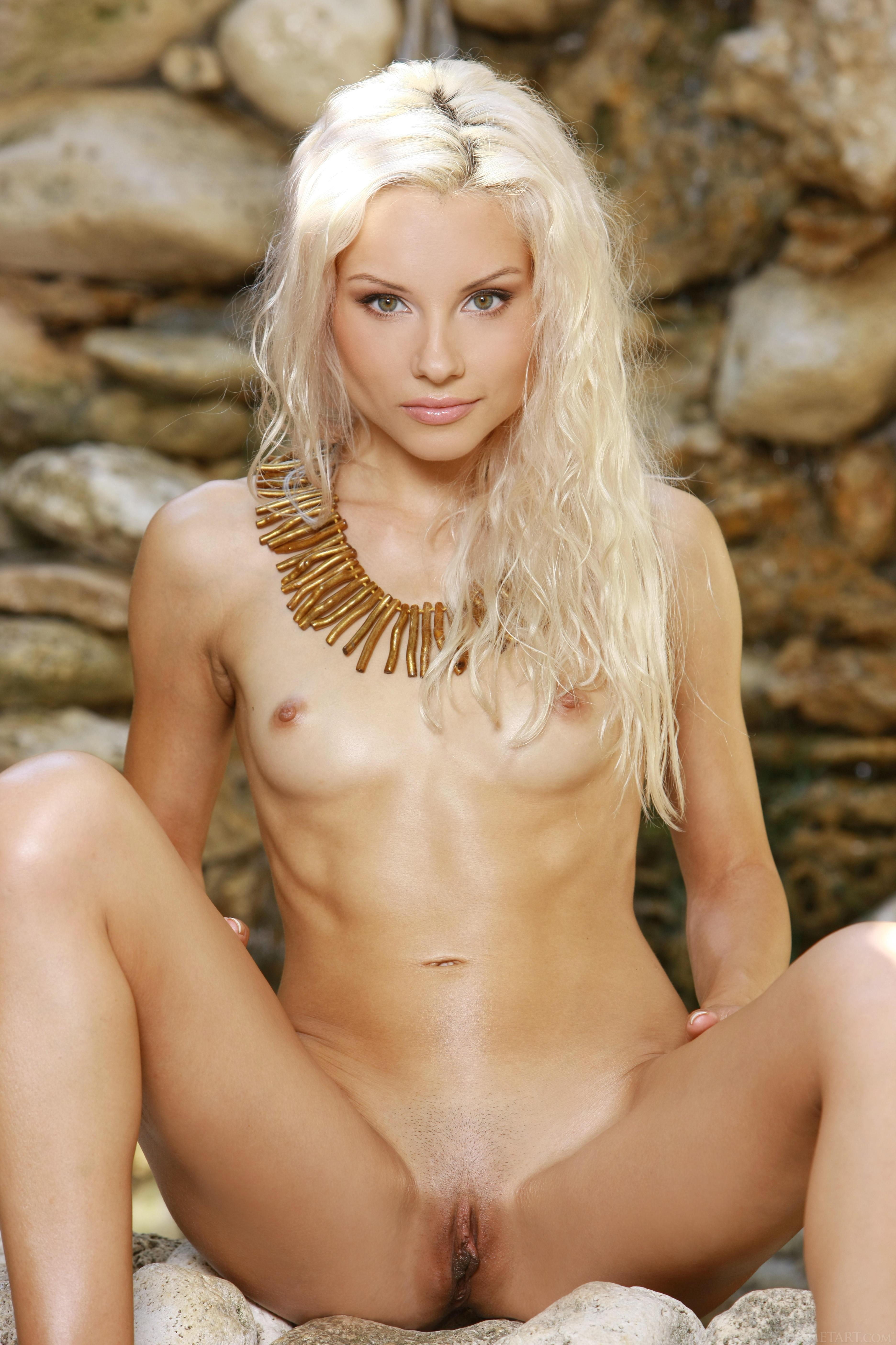 fair haired nude girls