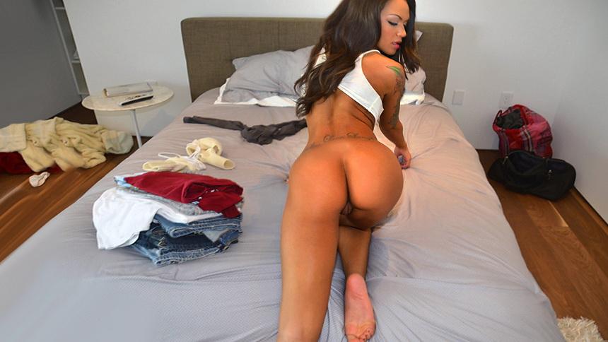 sexy girl bubble butt